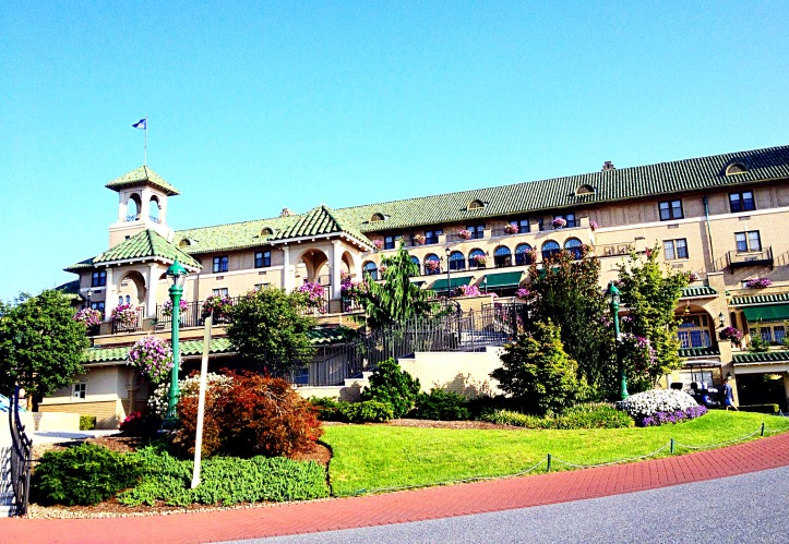Photo of front of Hotel Hershey